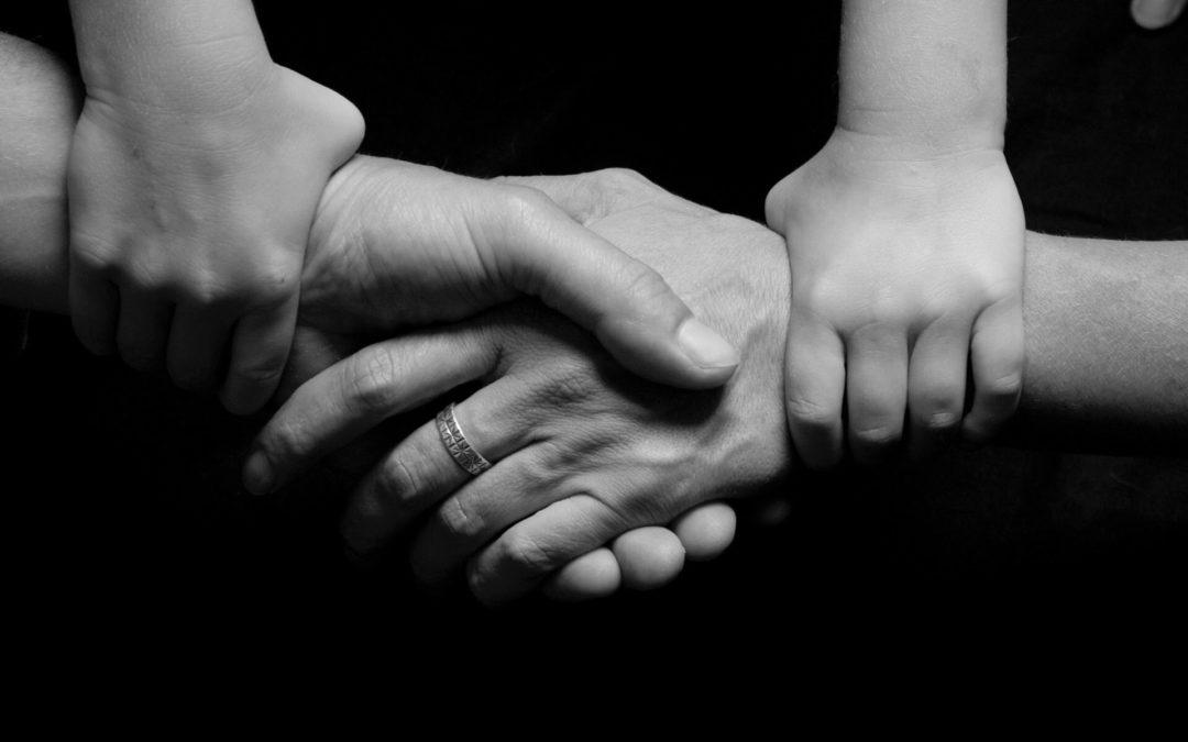 Monta syytä tehdä testamentti:  1. Avio- ja avopuolisoiden aseman turvaaminen